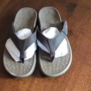 Vionic Brown Thong Sandals